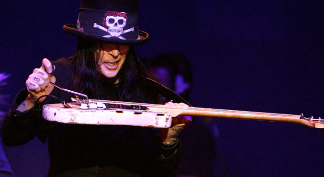 Mick Mars in recovery