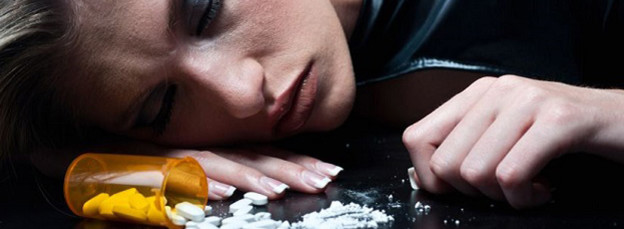 woman passed out with drugs